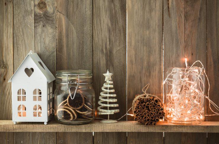 Decorare casa con le luci di Natale