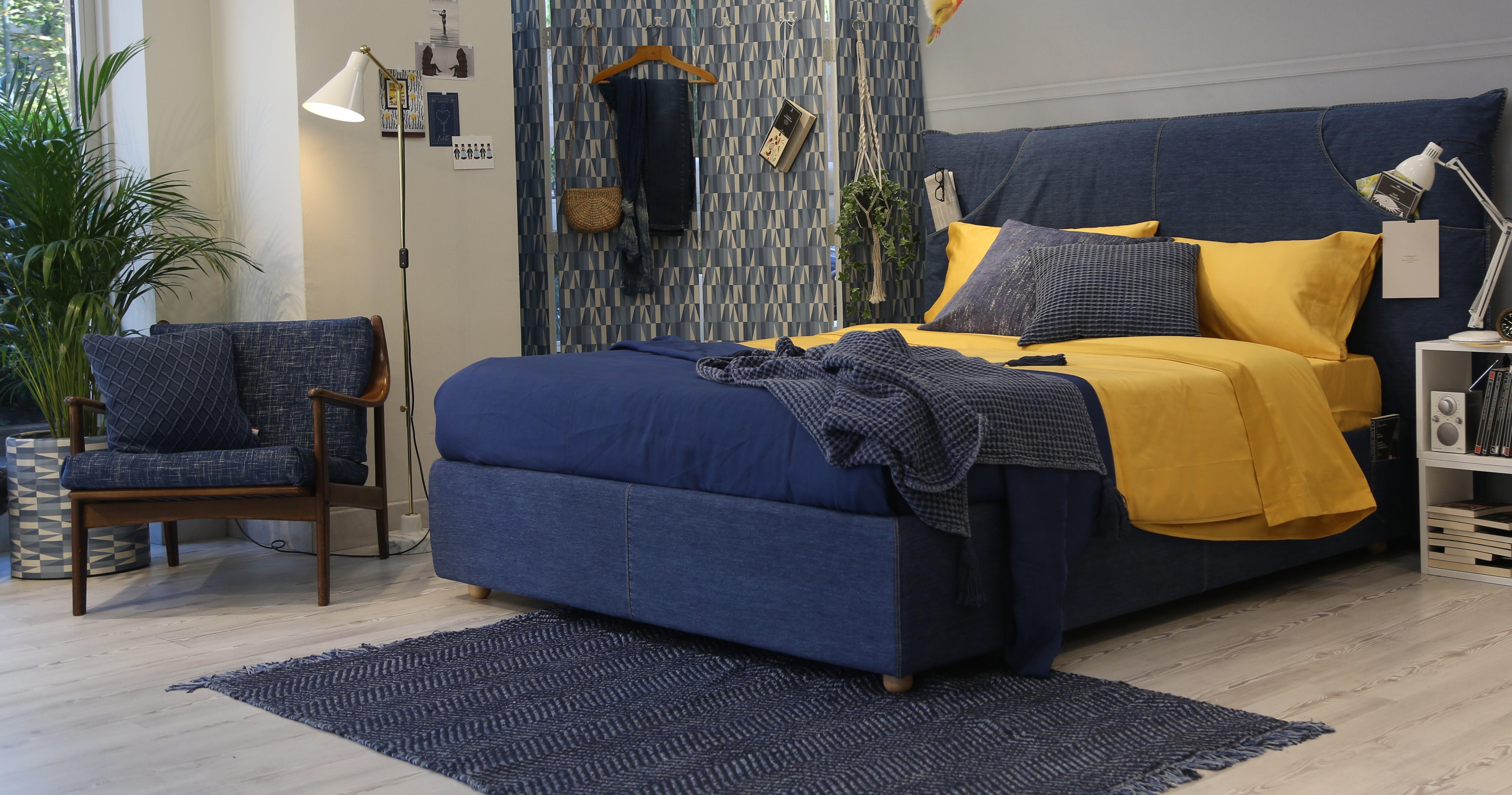 Stile urban: decorare la camera da letto con un letto in denim