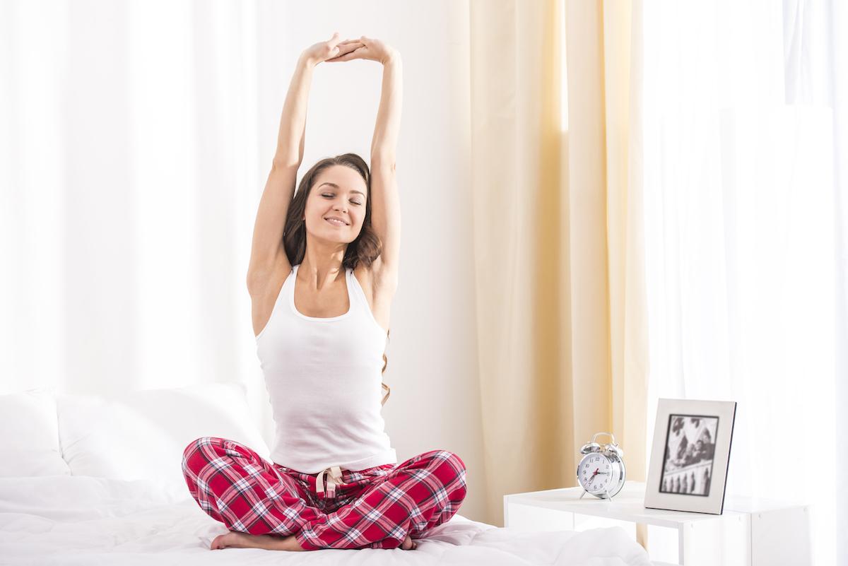 Dormire meglio 5 esercizi per il mal di schiena la stanza perdormire - Mal di schiena letto ...